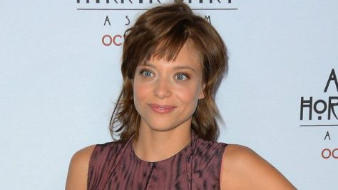 La actriz francesa, Lizzie Brochere.