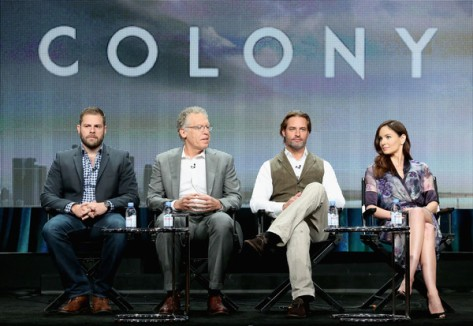 Panel de Colony (USA Network).
