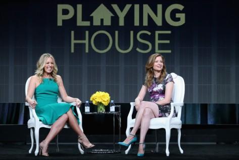 Panel de Playing House (USA Network).