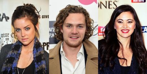 Jessica Stroup, Finn Jones y Jessica Hendwick.