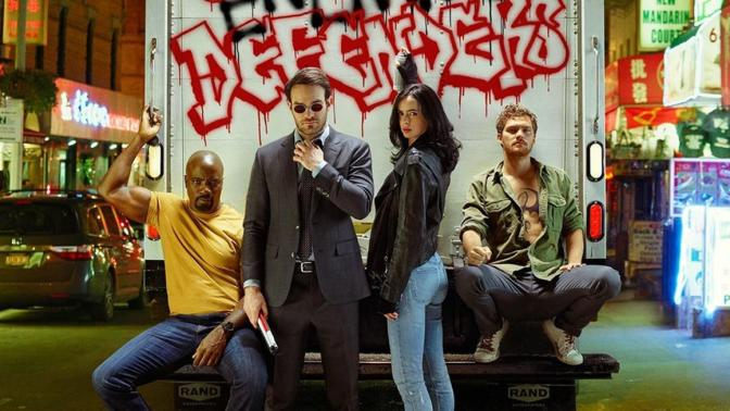 """THE DEFENDERS"" ENTRETIENE PERO NO CONVENCE EN SU DEBUT"