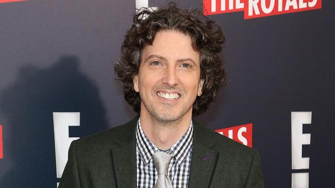 "MARK SCHWAHN DESPEDIDO DE ""THE ROYALS"""