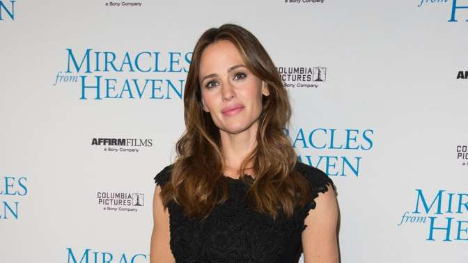 APPLE ANUNCIA SERIE CON JENNIFER GARNER