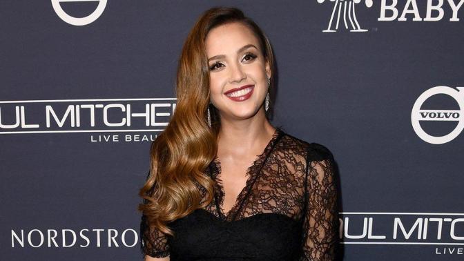 JESSICA ALBA FIRMA POR EL PILOTO 'BAD GIRLS' DE NBC