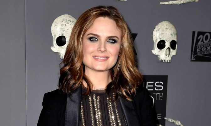 'ANIMAL KINGDOM' FICHA A EMILY DESCHANEL
